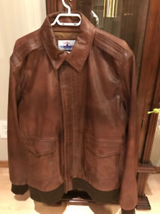 """BRAND NEW MEN'S BROWN LEATHER JACKET SIZE 48"""