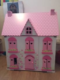 Pretty girly dolls house