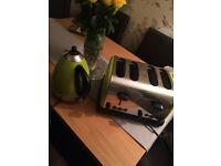 Kettle and Toaster in green