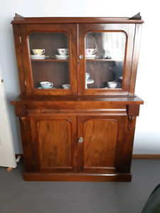 ANTIQUE DISPLAY CABINET Barrack Heights Shellharbour Area Preview