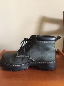 Men's Roots Tuff Boots. Size 10. Winter Boots. London Ontario image 5