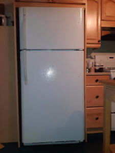 réfrigérateur Kenmore, très propre