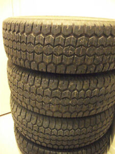 205 75 R14  Pneus d'hiver ,  4 snow tires , 4 winter tires