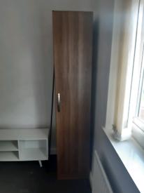 Single door wardrobe in excellent condition