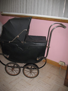 PEDEGREE ANTIQUE BABY CARRIAGE