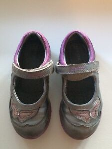 Girls size 10 Geox Mary Janes Kingston Kingston Area image 1
