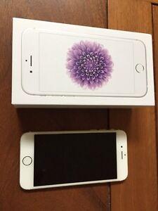 iPhone  Oakville / Halton Region Toronto (GTA) image 1