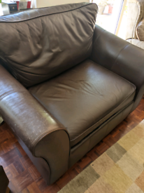 Leather 3 seater settee and Love seat . Best offer to collect accepted