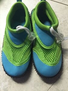 Brand new kids water shoes size 9 ages 4-5