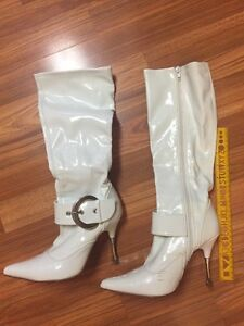 White 4 inch Ladies Boots Size 6