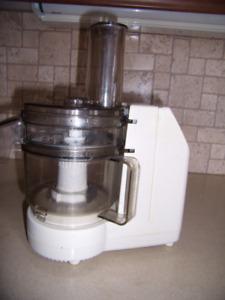Robot culinaire Black & Decker Shortcut 750 ml