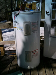 60 Gallon GE Electric water heater
