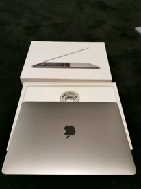 Apple Macbook Pro 2017 Touchbar 13 inch Intel Core i7 16Gb Ram 512Gb