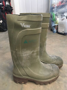 Rubber safety Boots size 9