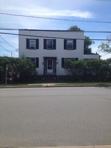 Very nice home with 4 Bedrooms and 1.5 baths, East