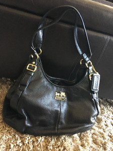 Womens Leather Coach Purse - Black