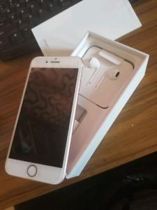 iPhone 7 rose gold 32gb like new unlocked