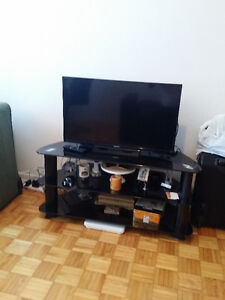 """32"""" SONY SMART TV & GLASS TWO STORY TV TABLE"""