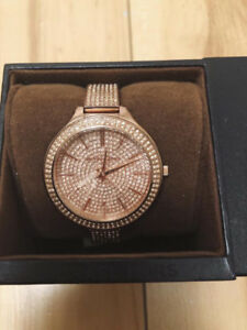 Michael Kors glitz slim runway watch rose gold.