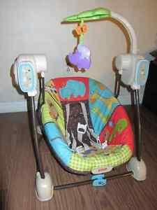 Fischer Price compact space saver Swing & Vibrating chair - $60 Kitchener / Waterloo Kitchener Area image 2