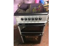 Black & silver BEKO 50cm ceramic hub electric cooker grill & oven good condition with guarantee