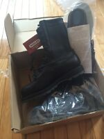 Boulet combat boots brand new in box