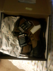 Work boots size 11 Baffin boots