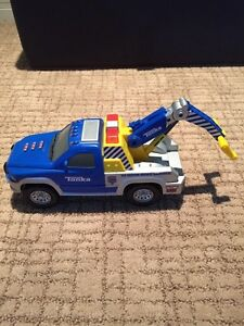 Tonka Tow Truck with Movable Hoist and Sound Effects London Ontario image 3