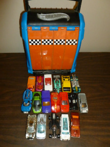 Lot of 18 Hot Wheels Plus Carrying Case