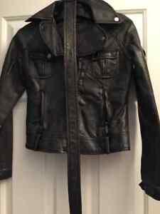 Lot de manteaux pour femme à vendre
