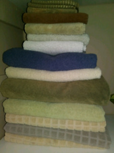 MOVING SALE! BATH, HAMD AND FACE TOWELS $20 TAKES LOT