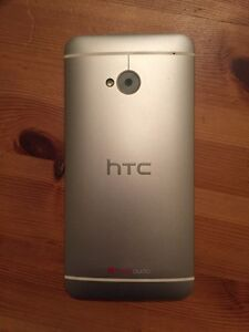HTC one m7 Rogers 100$