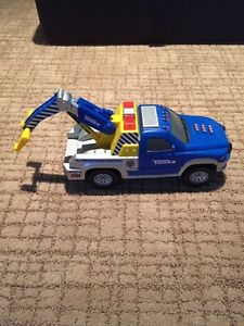 Tonka Tow Truck with Movable Hoist and Sound Effects London Ontario image 1