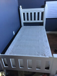 Twin bed frame and boxspring