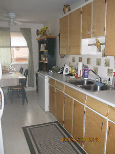 2 BDRM - SPACIOUS - GREAT RESIDENTIAL AREA