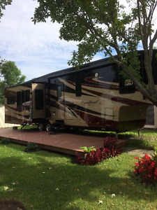 Fifth Wheel Forest River Cardinal 3515rt