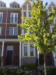 Executive 3br Townhome in the heart of Mimico with Double Garage