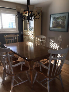 FOR SALE - Harvest Table & Hutch Oakville / Halton Region Toronto (GTA) image 1