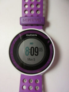 Garmin Forerunner 220 watch with charger, pick up only