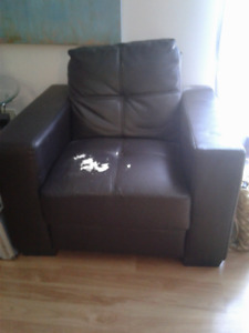 Brown Leather Chair. Comfy. Used.