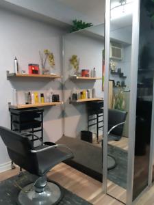 Meubles/équipement salon de coiffure