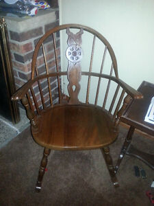 Pair Antique Windsor chairs London Ontario image 2