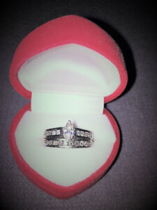 REDUCED FOR QUICK SALE DIAMOND ENGAGEMENT & WEDDING BANDS