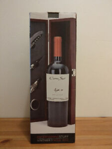 (New) Wine Box with Bottle Accessories