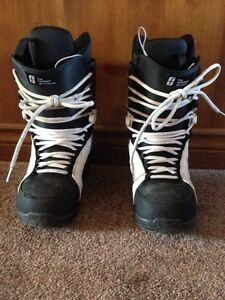 Size 10 Forum snow board boots London Ontario image 1