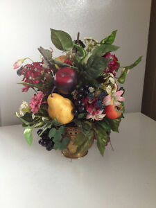 Fruit table centre