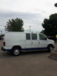 2011 Ford E-250 Commercial Minivan, Van