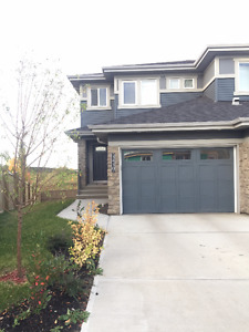 3 bedroom 2.5 bathroom duplex in Aurora South Edmonton!