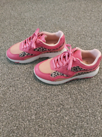 Brand new Faith trainers size 4 euro 37