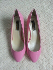 New size 7 pink mid-heel pumps / Escarpins roses taille 7